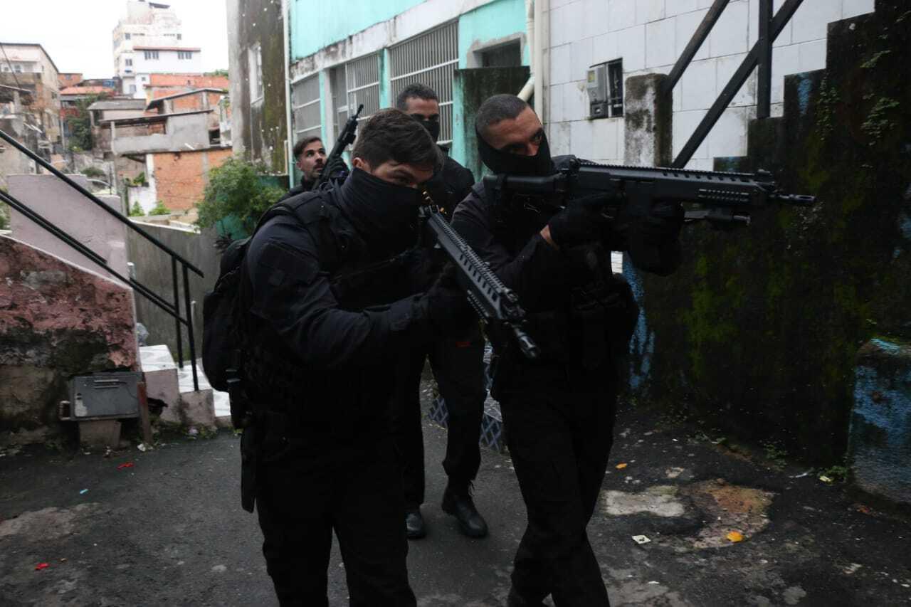 POLÍCIA PRENDE MAIS DOIS SEGURANÇAS DO ATAKAREJO ENVOLVIDOS EM DUPLO HOMICÍDIO