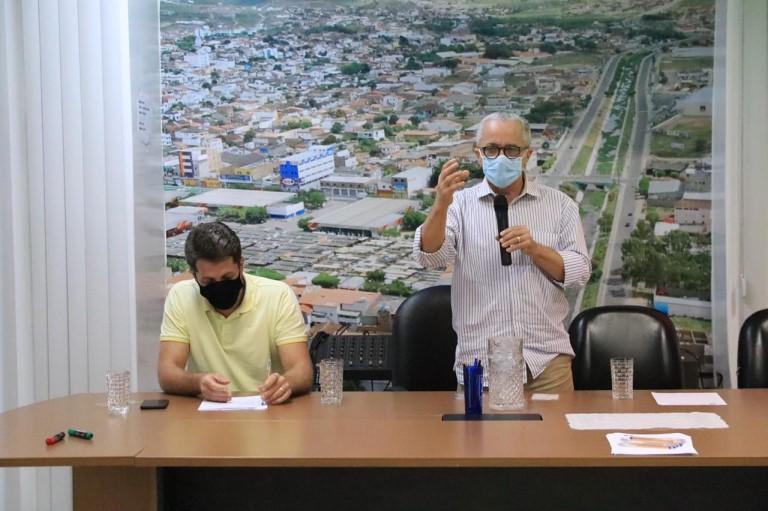 ESTADO E CONSÓRCIO SE UNEM PARA INCENTIVAR AGRICULTURA NA REGIÃO DO RIO DE CONTAS